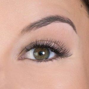 hybrid eyelash extension closeup