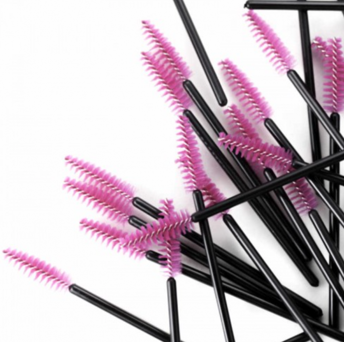 Tips on Brushing and Cleaning Your Lashes (and Why It's So Important)