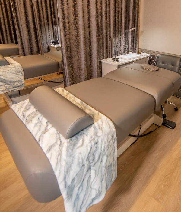 The Lash Lounge service bed for guests during eyelash extension appointments