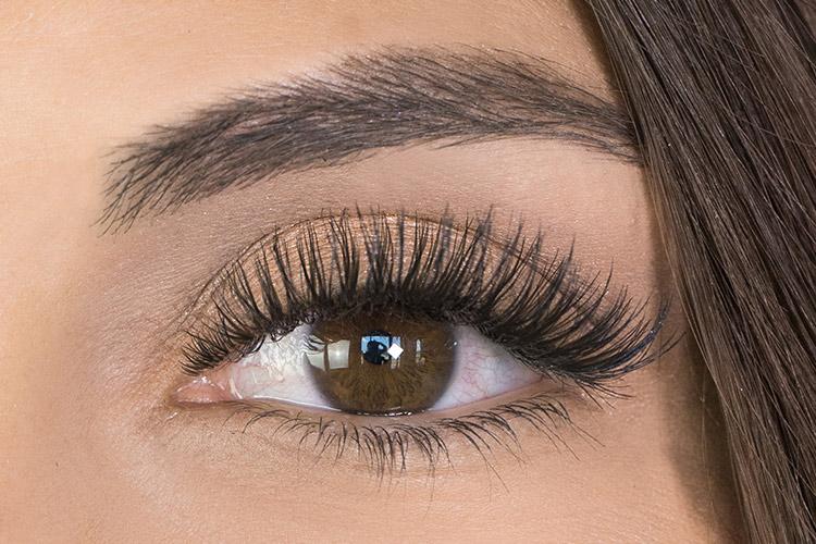 hybrid eyelash extensions after